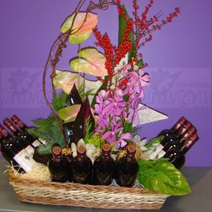 Picture of Arrangement with 12 bottles of wine