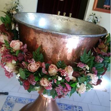 Στολισμός καλυμπήθρας με τριαντάφυλλα