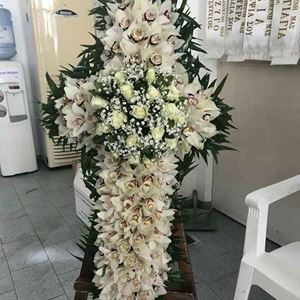 Picture of Funeral Wreath 003