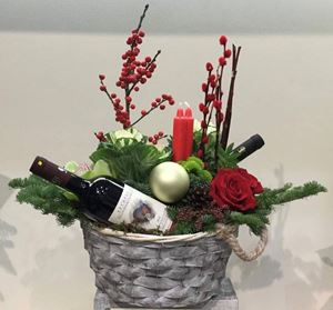 Picture of Arrangement with wine