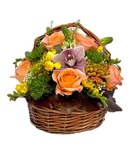 Picture of Arrangement in Basket 4689