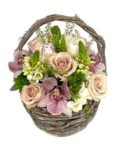 Picture of Arrangement in Basket 4691